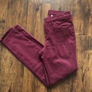 Cute wine-colored skinny pants
